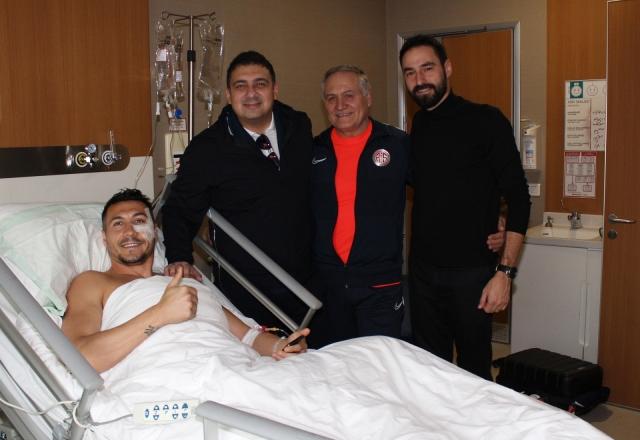Јаховиќ успешно опериран: Се враќа на тренинг за две недели