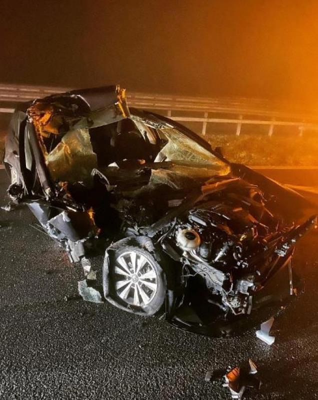 Бивша НБА ѕвезда избегна брутална смрт – неговиот автомобил целосно уништен (ФОТО)