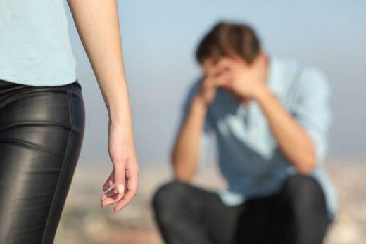 Брајт сајд: Во љубовта кон партнерот не треба да се дава премногу
