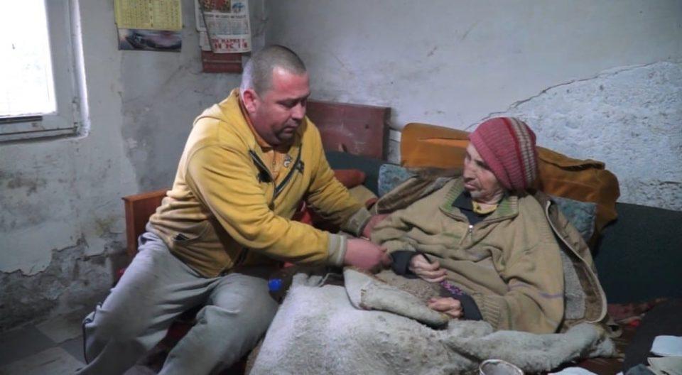 Унијата на жени на ВМРО-ДПМНЕ Гази Баба и Пешевска со помош за Јордан и неговата мајка Ангелина Јованови од Велес