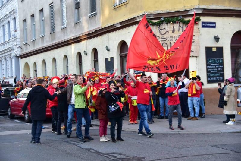 """Мицкоски со поддршка за македонските ракометари: Нашите срца чукаат за """"црвено-жолтите"""" секогаш и секаде"""