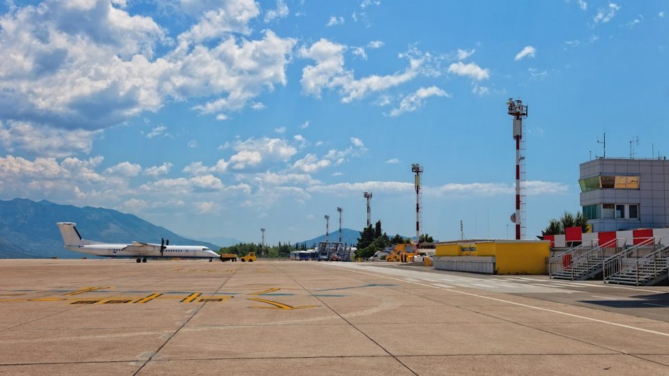 Трагедија: Авион принудно слета во Дубровник, патник починал од инфаркт