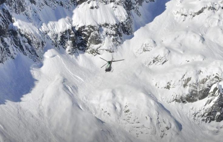 При лавини во Кашмир и во Авганистан загинаа 126 лица
