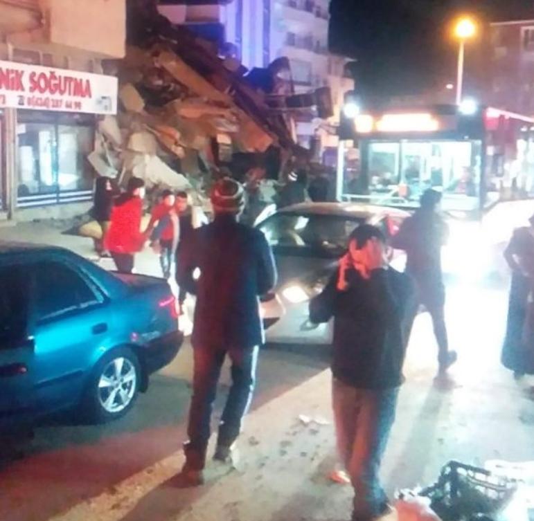 Турција започна да ги брои жртвите после катастрофалниот земјотрес