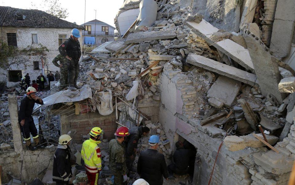Рама побара од граѓаните погодени од земјотресот да бидат трпеливи