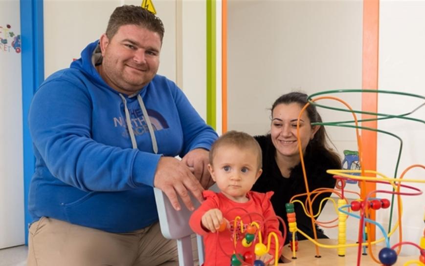 БРАВО НАРОДЕ: Собрани се 100.000 евра, малата Анастасија заминува на лекување