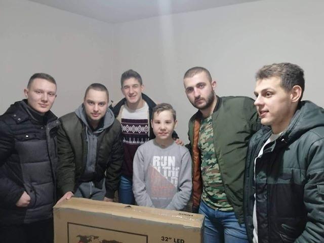 Среќниот скокач по светиот крст во с.Бардовци собраните средства и награда ги донираше за 13-годишниот Ангел Аврамоски