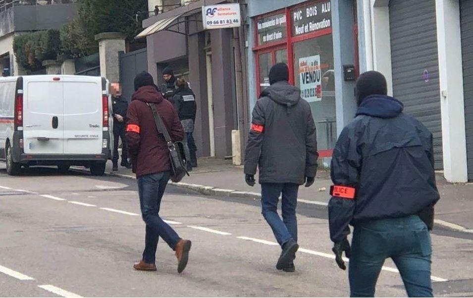 Антитерористичка истрага во Франција: Спречени атентати во Брест и Епинал