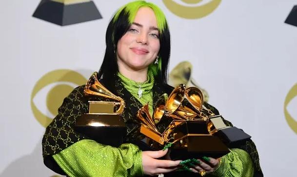 Били Ајлиш доминираше на Греми наградите