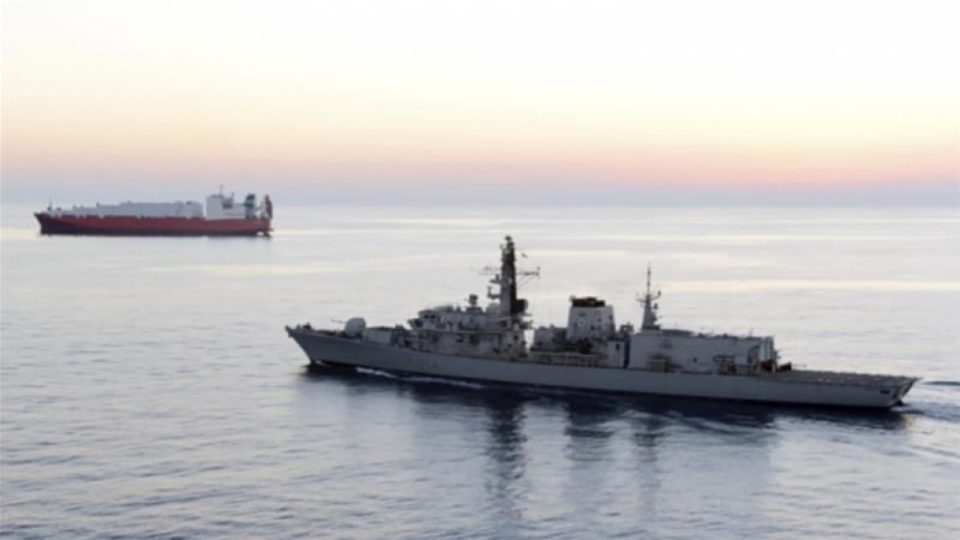 Британската морнарица ќе ги штити своите бродови во Ормускиот теснец