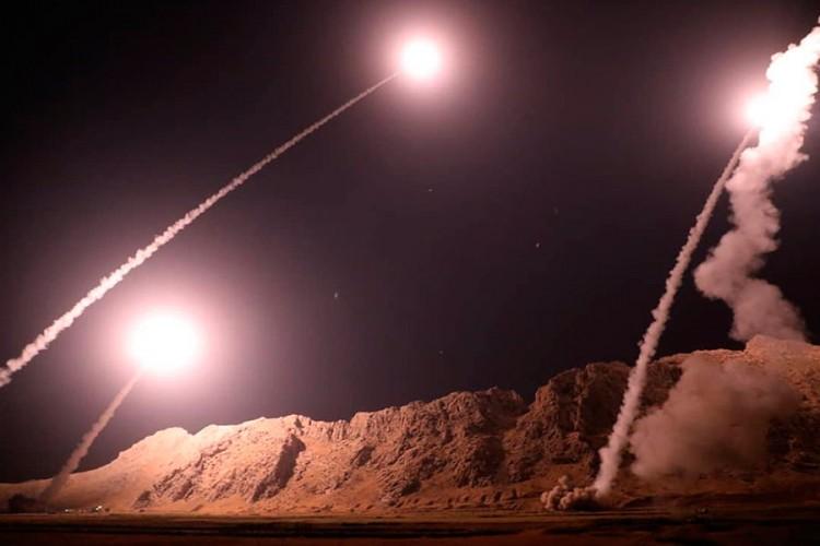 Иран се закани: Ќе ги гаѓаме Израел и Дубаи, ако САД одговорат