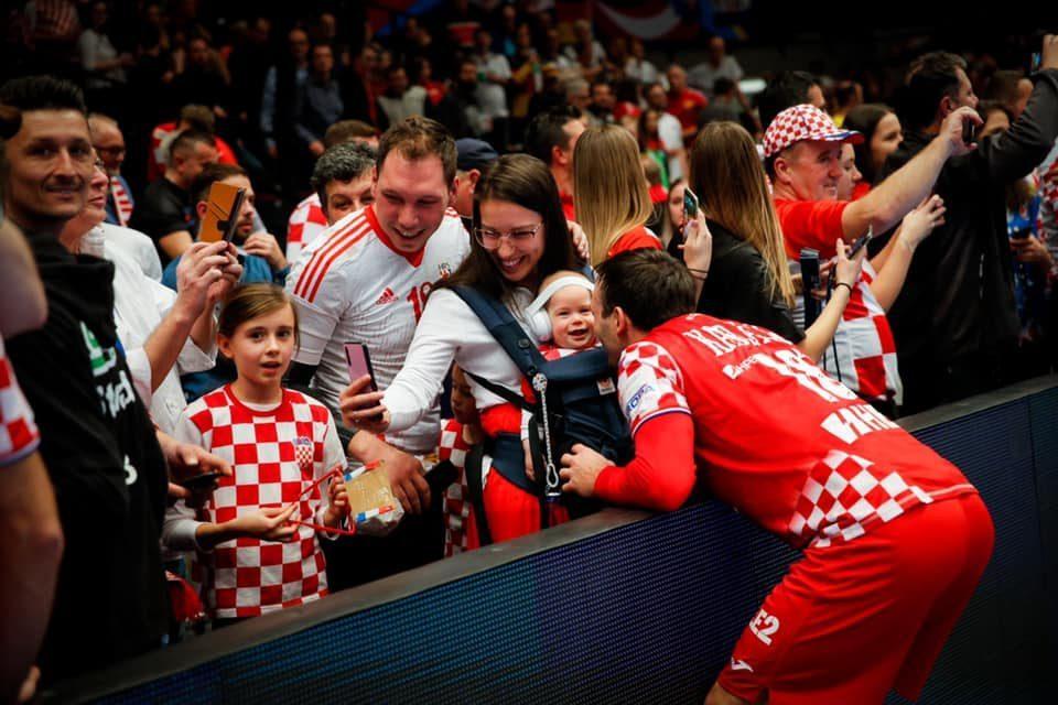 ФОТО: Карачиќ ја има најубавата фотографија на ЕП, ова ќе ви ја стопли душата