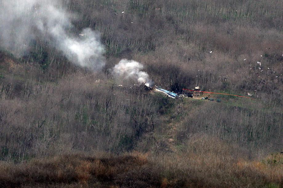 Пилотот на хеликоптерот во кој загина Брајант бил предупреден дека лета прениско