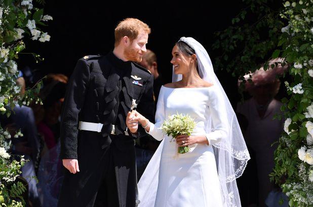 Хари и Меган официјално без кралски должности и титула, се огласи кралицата