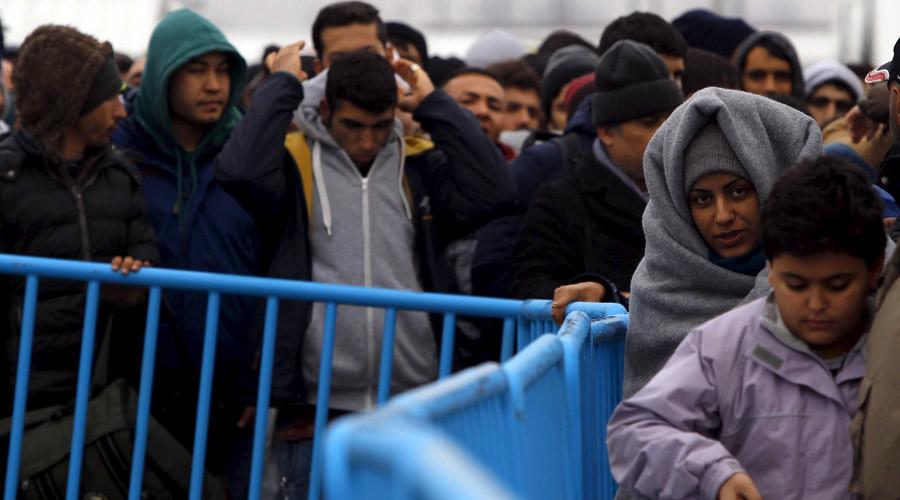 Речиси половина од мигрантите или околу 5.000 лани побарале азил во Албанија