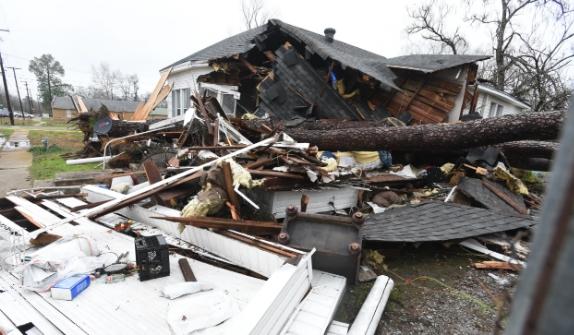 Овогодинешните штети од лошото време во САД ќе изнесуваат над 100 милијарди долари
