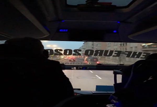 """ВИДЕО: Ракометарите на тренинг пред утрешниот натпревар, ечи """"Ја излези Ѓурѓо"""" во автобусот"""