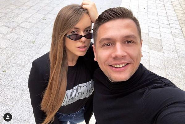 ФОТО: Македонскиот пејачки пар ужива во Банско