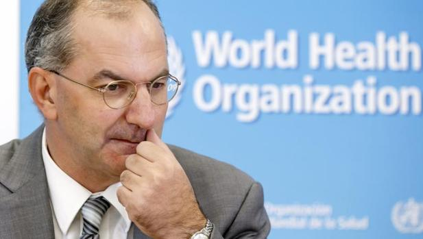 Среде кризата со коронавирусот, почина извршниот директор на СЗО