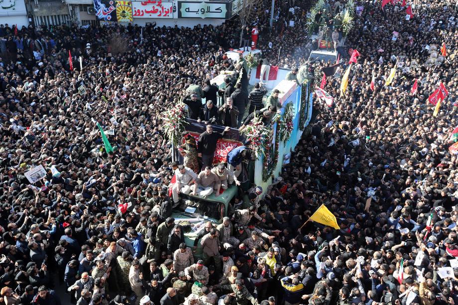 Одложен погребот на Сулејмани поради големиот број жртви во метежот на поворката