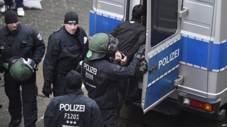 Момче од Германија го изрешетилo целото своето семејство