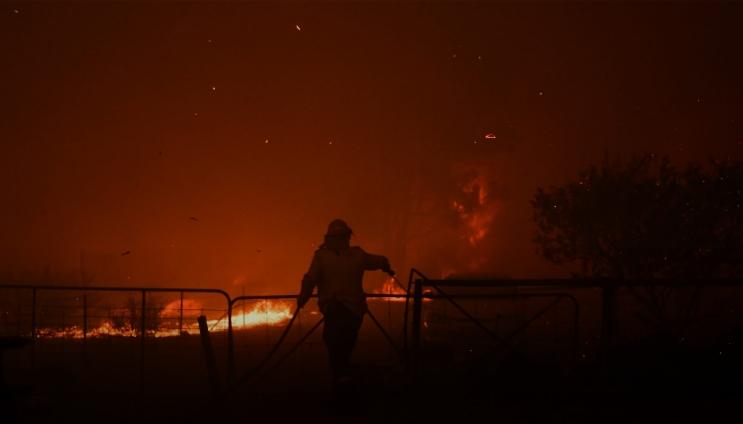 Новогодишен пекол во Австралија: Расте бројот на жртви, пожарите беснеат