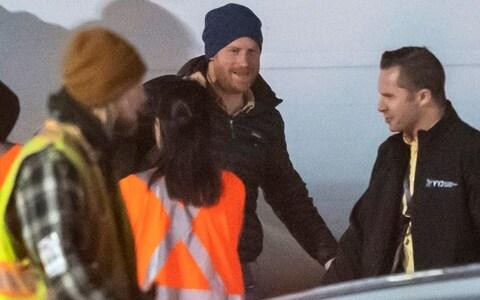 ВИДЕО: Принцот Хари пристигна во Канада, започнуваат нов живот со Меган и Арчи