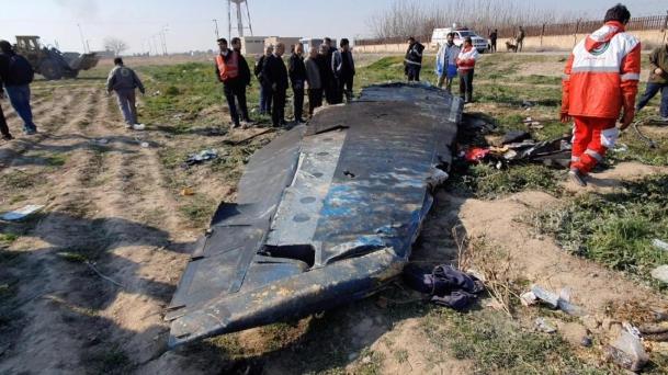 Украина бара од Иран да ги предаде црните кутии од соборениот авион