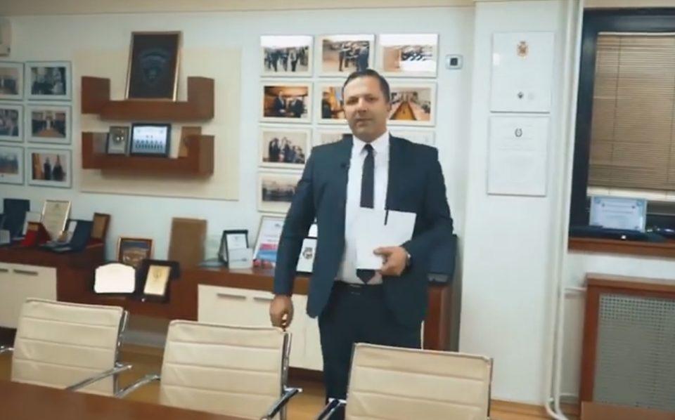 """""""Криминалните активности ми се најдобра навика"""": Пародија посветена на Спасовски, граѓаните му направија шах-мат (ВИДЕО)"""