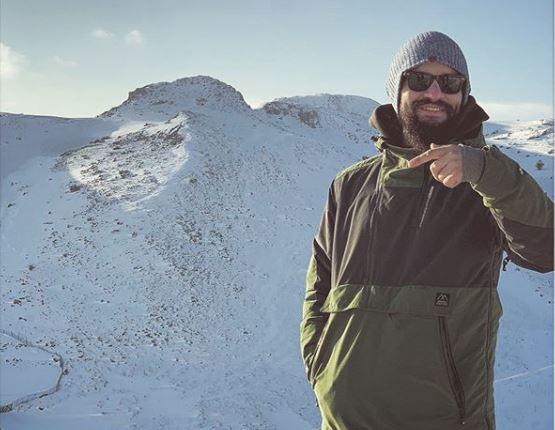 """Уживаат во снежна планинска романтика: Пејачот на """"Некст тајм"""" и манекенката не ја криjат љубовта (ФОТО)"""