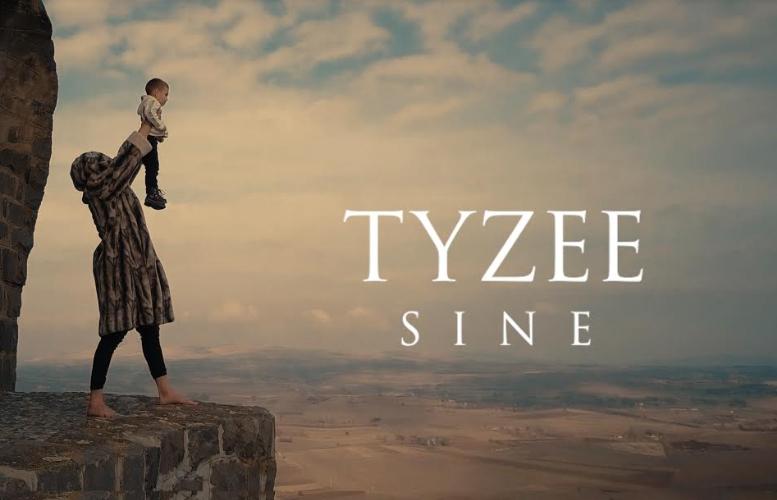 """ВИДЕО: Тајзи ја промовираше новата песна """"Сине"""""""
