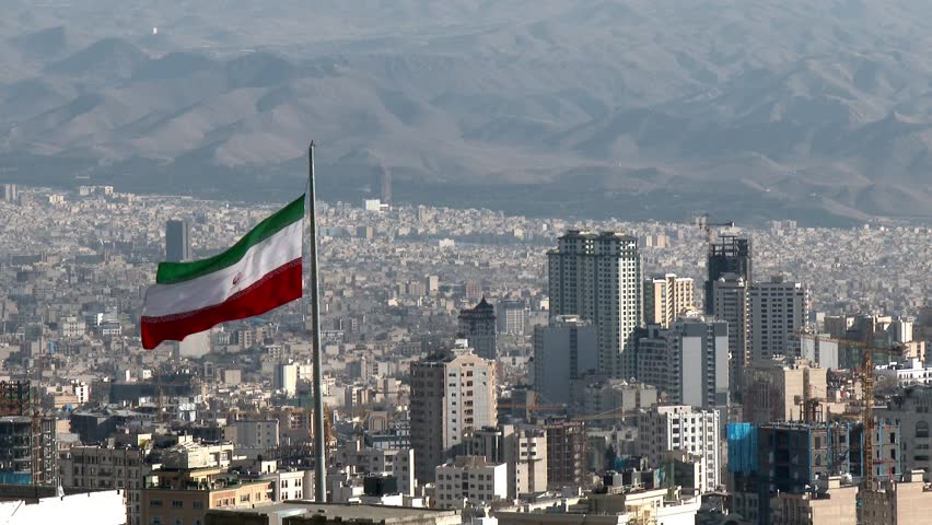 """""""Скај њуз"""": Британија го намалува персоналот во амбасадите во Техеран и во Багдад"""