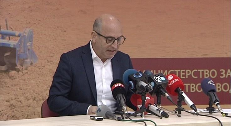 Сакајќи да го демантира скандалот со аудио бомбата, министерот Димовски призна нови кривични дела