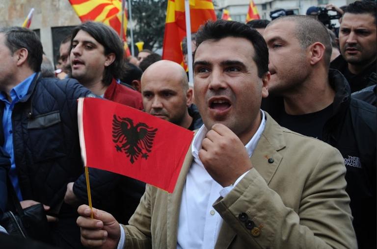 Заев создава хистерија за договорот со Грција за да им се додвори на Албанците откако ги исполажа со ветувања за живот