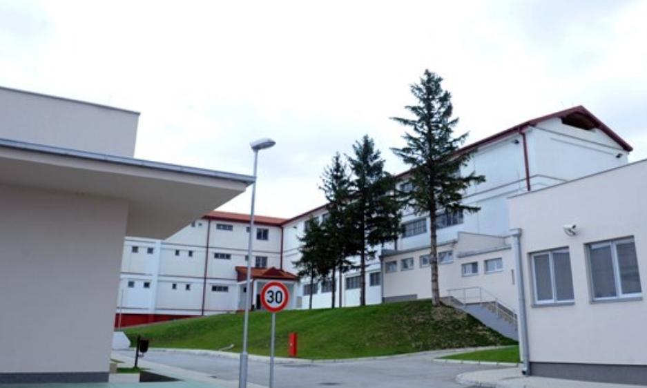 Спасовски: Студентските домови да заличат на затворот во Куманово