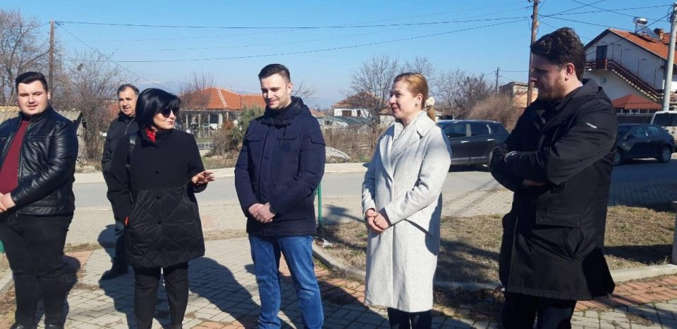 Василевска на средба со граѓани во Карбинци
