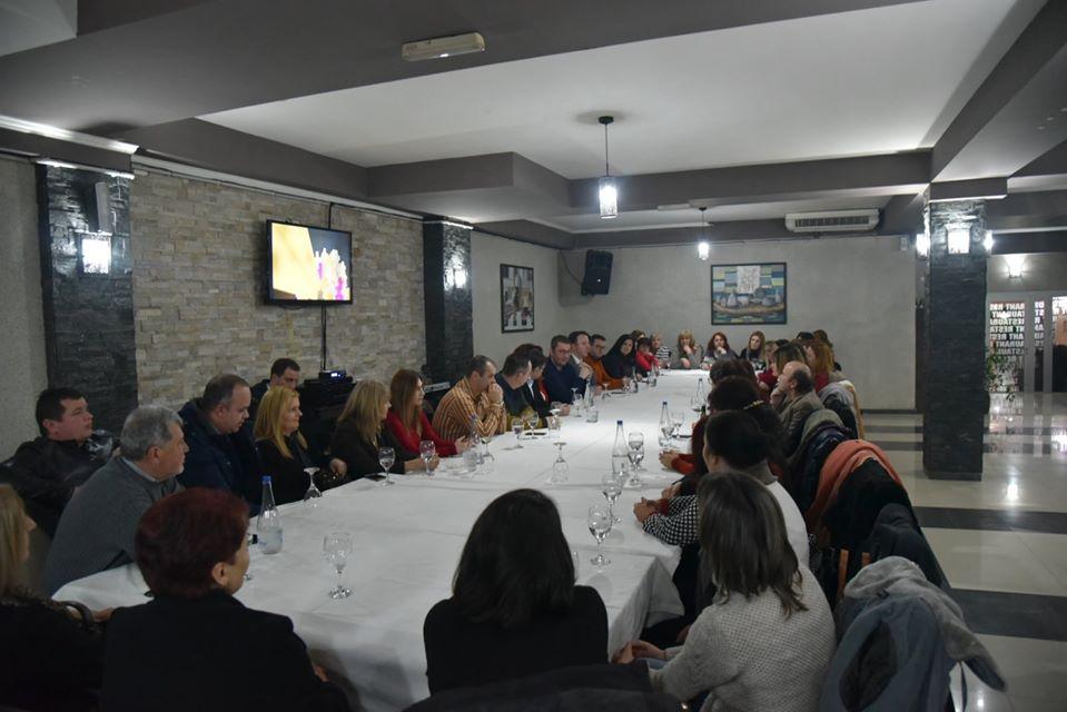 Мицкоски на средба со здравствените и просветнице работници од Неготини