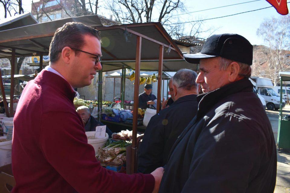 Трипуновски на средба со пазарџиите од Кочани