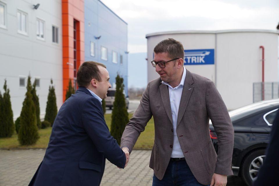 Мицкоски ја посети ОДВ електрик: Ќе инвестираме 2 милијарди евра за еден мандат во градба на патишта, тоа се свежи пари во економијата