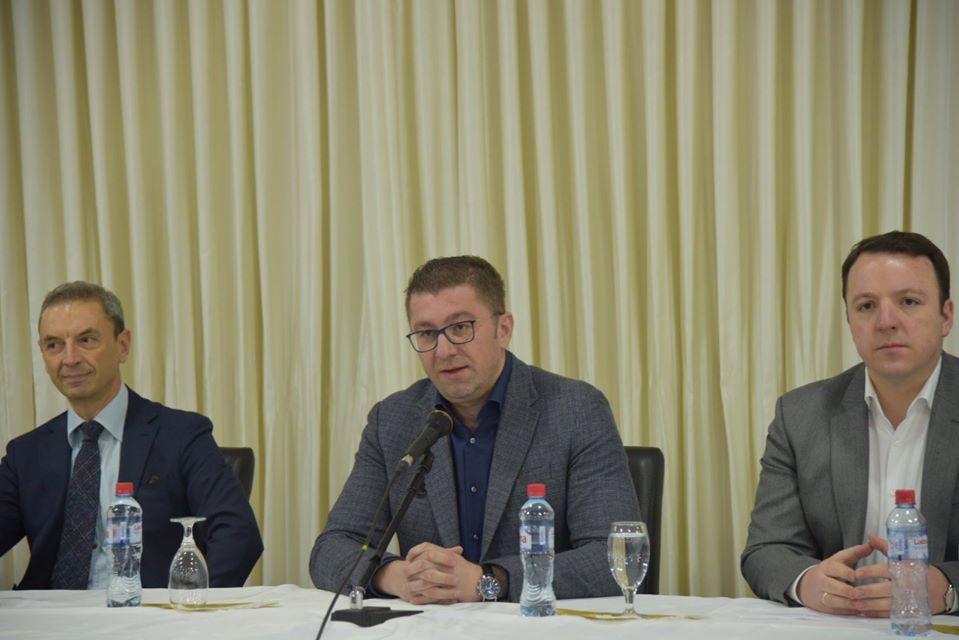 Мицкоски: Во СДСМ функционира штаб за правење на кризи, во ВМРО-ДПМНЕ за правење на програма- ќе се бориме за повеќе за секого