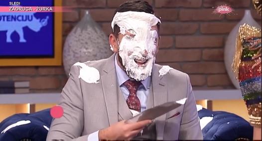 Додека Огњен Амиџиќ ја одјавуваше емисијата Катерина Грујиќ му залепи торта в лице! (ВИДЕО)