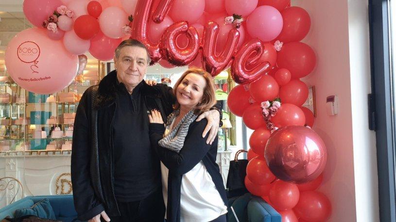Ова никој не го очекуваше: Пред очите на Ана Бекута, нејзиниот партнер ја фати за гради 40 години помладата водителка (ФОТО)