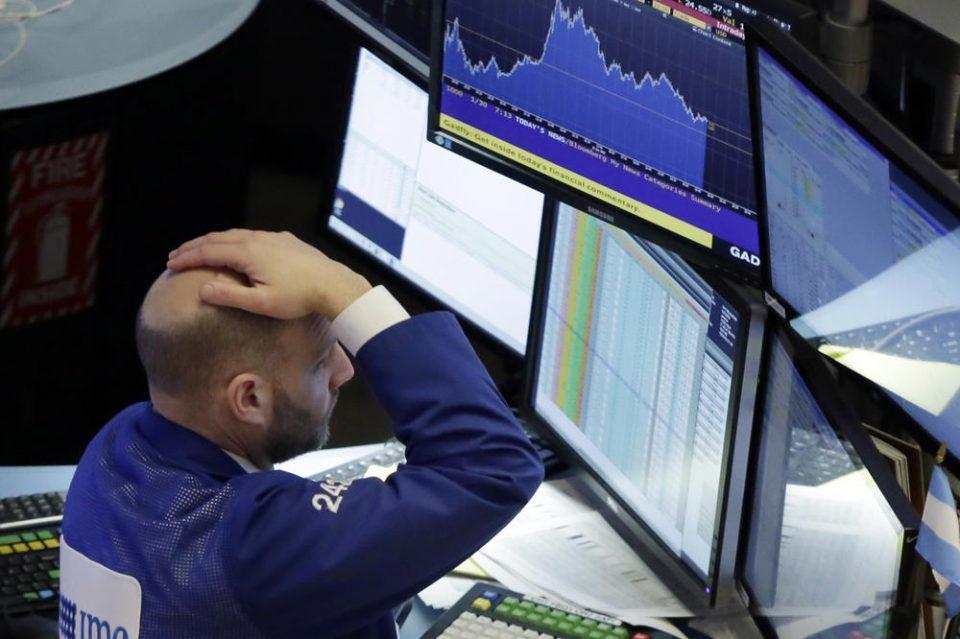 """""""Црн понеделник"""" на светските берзи поради коронавирусот"""