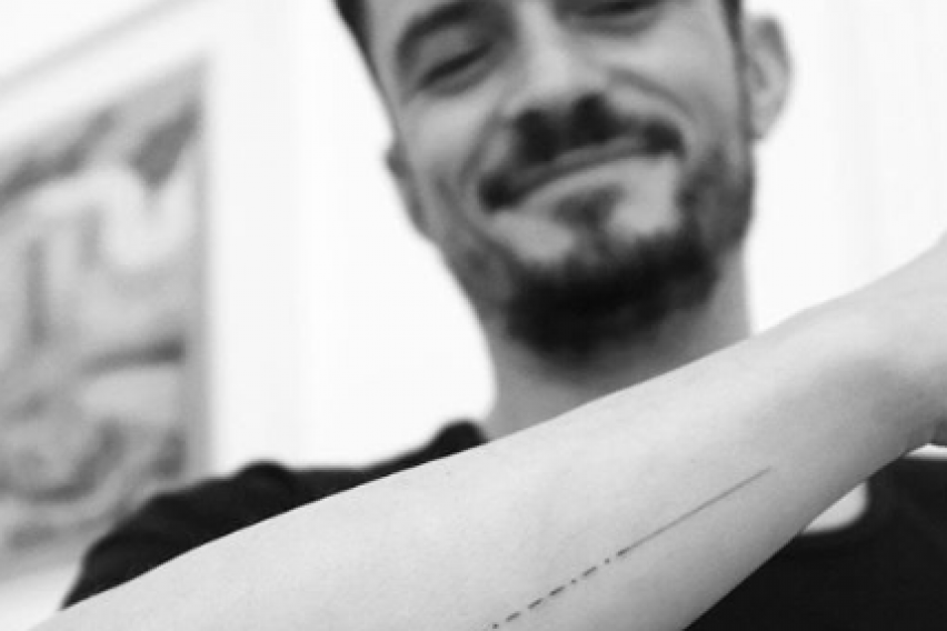 ФОТО: Познат актер истетовирал погрешно име на раката, фановите веднаш реагирале