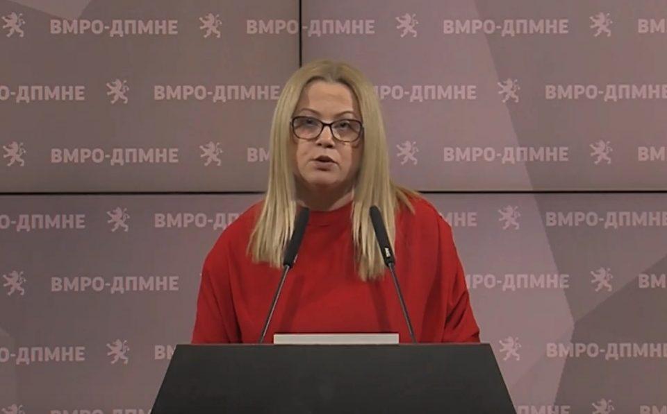 Стојаноска: Владата неподготвена за корона, ниту реагира на високата цена на маските, ниту има капацитет за карантин