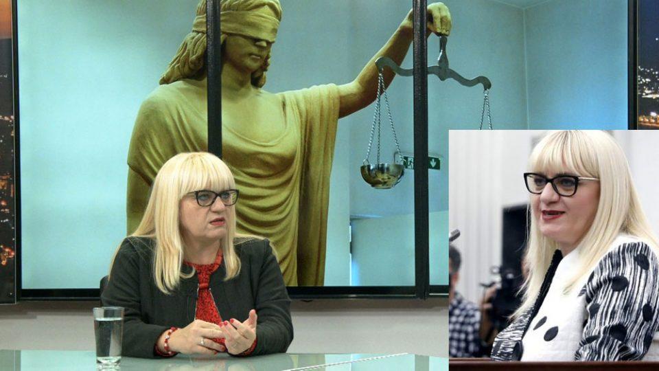 Не биле точки и запирки: Министерката Дескоска VS професорката Дескоска