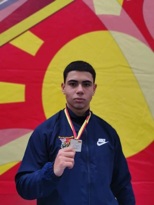 На европското првенство во карате во Баку, Азербејџан боите на Македонија ќе ги брани Александар Неделковски