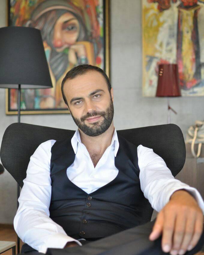Актерот Едмонт Сотир до Министерството за култура: Годишната програма, лански расол- не сакате ли да се провира македонската култура?
