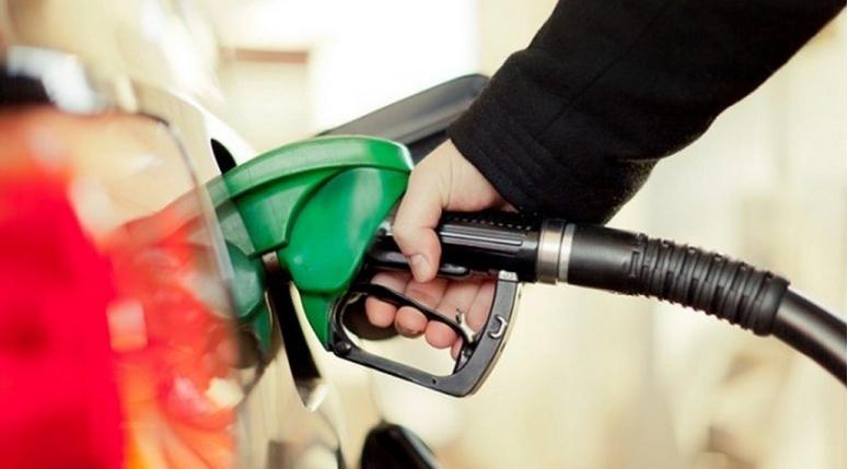"""""""Петро-заевата такса од 4,13 денари по литар гориво треба да го покрие делумно бесрамното трошење на буџетските пари"""""""