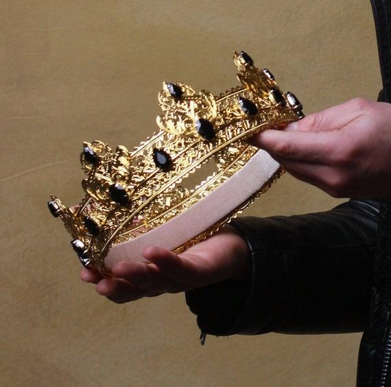 Три знака во зодијакот кои ќе ви пружат кралски третман!